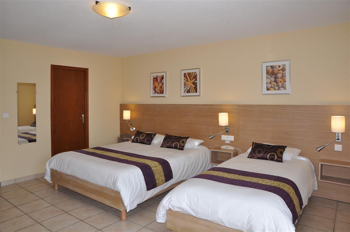 Chambre et studio 3 personnes confort hotel oleron for Chambre 3 personnes