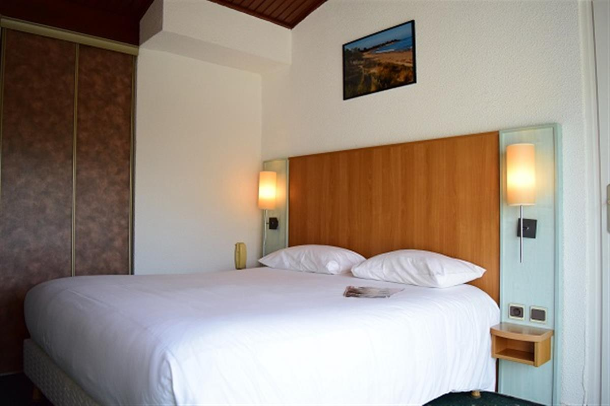 Chambre confort mer ou for t hotel oleron hotels ile d for Hotels ile d oleron